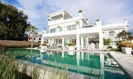 Pattaya - Beachfront Luxury 7 bedroom Villa with Private Pool